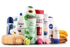 Composición con los envases de marcas globales de los cosméticos Imagen de archivo libre de regalías