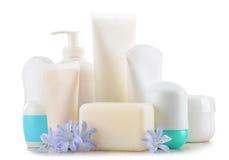 Composición con los envases de productos del cuidado y de belleza del cuerpo Foto de archivo libre de regalías