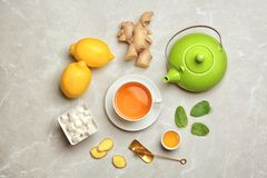 Composición con té del limón foto de archivo