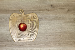Composición con una manzana Imagenes de archivo