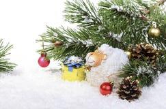 Composición con una oveja - un símbolo del Año Nuevo de 2015 en la caloría del este Fotos de archivo libres de regalías