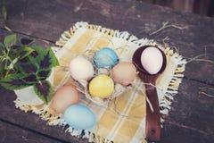 Composición de la foto de los huevos de Pascua Foto de archivo libre de regalías