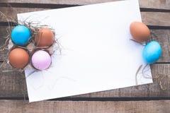 Composición de la foto de los huevos de Pascua Foto de archivo