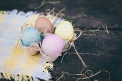 Composición de la foto de los huevos de Pascua Imagen de archivo libre de regalías