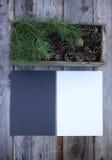 Composición de la hoja del otoño con las hojas de papel Foto de archivo