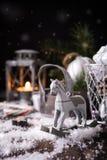 Composición de la Navidad con el cono del pino Imágenes de archivo libres de regalías