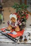 Composición de la Navidad con el oso del juguete Imágenes de archivo libres de regalías