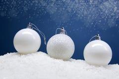 Composición de la Navidad con la caja y las decoraciones de regalo Fotografía de archivo libre de regalías