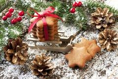 Composición de la Navidad con la decoración del día de fiesta Foto de archivo libre de regalías