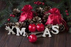 Composición de la Navidad con la decoración del día de fiesta Imagenes de archivo