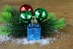 Composición de la Navidad con las decoraciones del día de fiesta Fotos de archivo libres de regalías