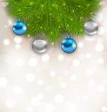 Composición de la Navidad con las ramas del abeto y las bolas de cristal Foto de archivo