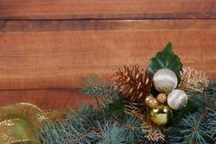 Composición de la Navidad con las ramificaciones del abeto Fotos de archivo