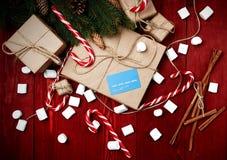 Composición de la Navidad, concepto del Año Nuevo, descuentos, tarjeta de crédito Fotografía de archivo libre de regalías