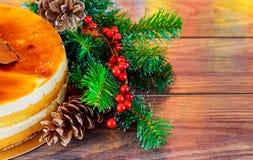 Composición de la Navidad decoración del Año Nuevo de la torta Imagen de archivo libre de regalías