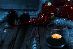 Composición de la Navidad en fondo de madera Imágenes de archivo libres de regalías