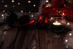 Composición de la Navidad en fondo de madera Imagenes de archivo