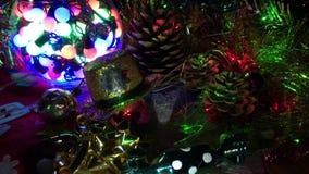 Composición de las diversas decoraciones de la Navidad almacen de metraje de vídeo