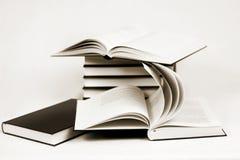 Composición de los libros del bw entonados a la sepia Imágenes de archivo libres de regalías