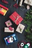Composición de los regalos de la Navidad Imagen de archivo