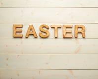 Composición de madera de la letra de Pascua Foto de archivo