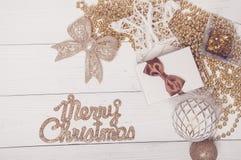 Composición de oro roja de la magia de Toy Decor Star Ball Gift del árbol de abeto del día de fiesta de la Feliz Navidad Imagen de archivo
