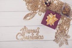 Composición de oro roja de la magia de Toy Decor Star Ball Gift del árbol de abeto del día de fiesta de la Feliz Navidad Foto de archivo libre de regalías