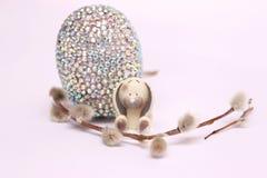 Composición de Pascua con los huevos de codornices fotos de archivo libres de regalías