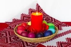 Composición de Pascua en el estilo ruso - cristianismo - huevo pintado Fotos de archivo libres de regalías