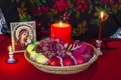 Composición de Pascua en el estilo ruso - cristianismo - huevo pintado Foto de archivo libre de regalías