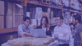 Composición de Warehouse de la gente que trabaja en el almacén combinado con la animación del connecte almacen de video