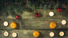 Composición del Año Nuevo de la Navidad con las mandarinas Visión superior Fotos de archivo