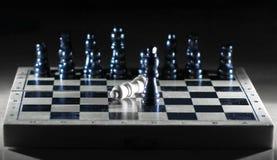 Composición del ajedrez en el tablero El concepto de victoria foto de archivo libre de regalías
