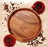 Composición del café con las tazas rojas Fotos de archivo