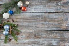 Composición del llano del día de fiesta del fondo de Navidad o del Año Nuevo hecha del Ch Fotos de archivo