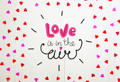 Composición del vintage del día del ` s de la tarjeta del día de San Valentín del St del bastidor de las letras y de los corazone Fotos de archivo libres de regalías