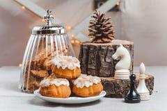 Composición en la tabla con la taza de café y Fotografía de archivo libre de regalías