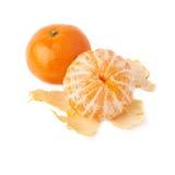 Composición jugosa servida de la fruta de la mandarina aislada Imagen de archivo libre de regalías