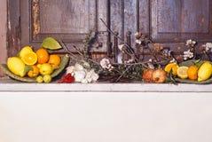 Composición mediterránea de las frutas Imágenes de archivo libres de regalías
