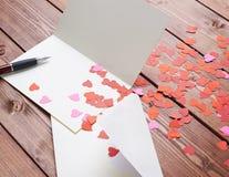 Composición vacía de la tarjeta de la tarjeta del día de San Valentín Foto de archivo libre de regalías