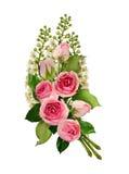Composit fleurissant de fleurs de rose de rose et de brindilles d'oiseau-cerise blanche Photographie stock libre de droits