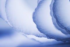 Composition abstraite colorée avec la crêpe bleue Photographie stock