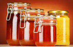 Composition avec des pots de miel Image stock