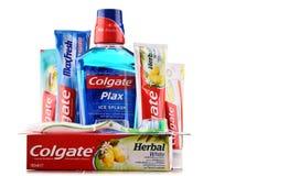 Composition avec des produits de Colgate d'isolement sur le blanc Photo stock