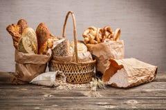 Composition avec du pain et des roulis Image libre de droits