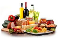 Composition avec la variété de produits alimentaires d'aliment biologique images stock