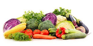 Composition avec la variété de légumes organiques crus frais Image libre de droits