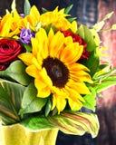 Composition avec le bouquet des fleurs Photo libre de droits