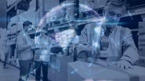 Composition d'entrepôt des personnes travaillant dans l'entrepôt combiné avec l'animation de la rotation banque de vidéos