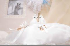 Composition de boucles de mariage Photographie stock